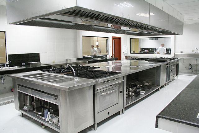 Kebiasaanya Dapur Jenis Ini Hanya Menggunakan Satu Material Untuk Kabinet Dan Juga Table Top